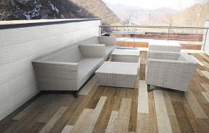 porcelain-stoneware-tile-for-exterior-floors-597912